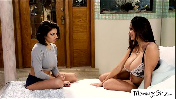 Mom seducingson by showing her pantys scene